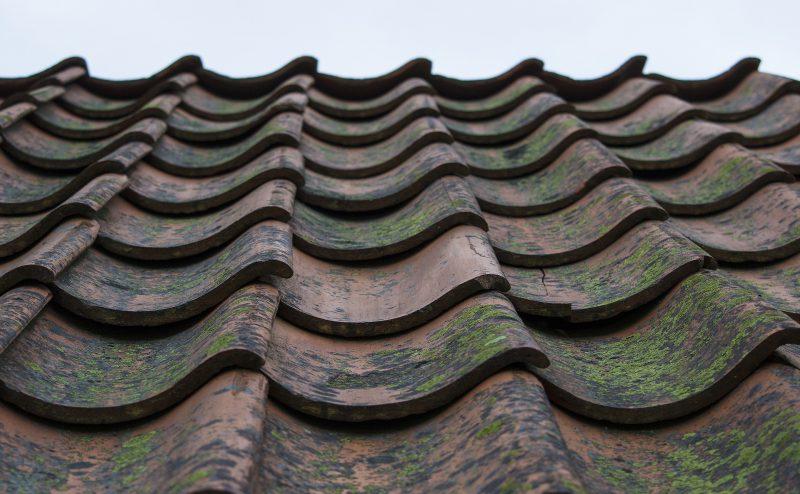 地震対策 重い瓦屋根→軽い金属屋根
