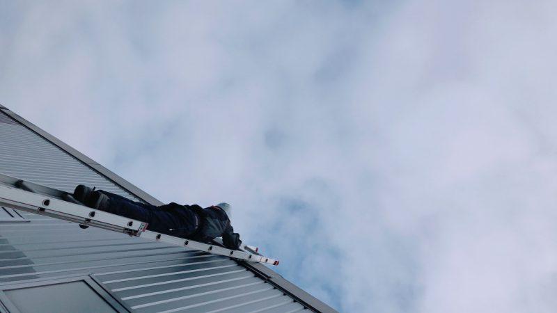 秩父の屋根を守る、スーパーマン